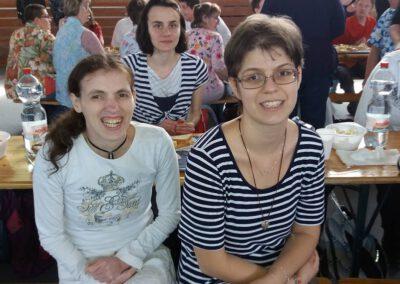 Virágfüzér Sérültek Napközi Otthona - foglalkozások - barátok